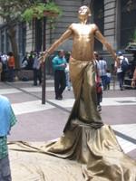 Gold_statue_man